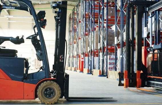 Fully Funded course available for working in a warehouse with forklift licens